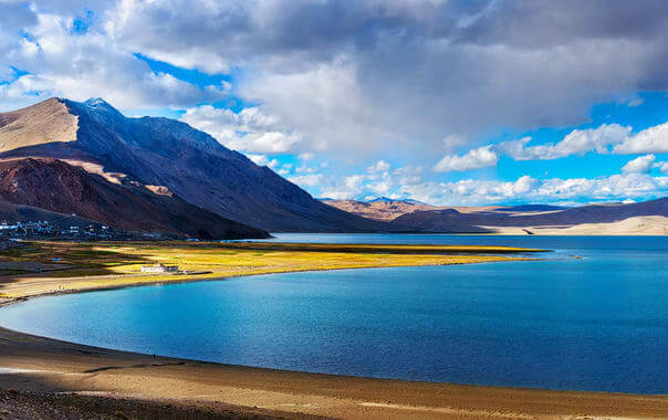 Beautiful Tsomoriri lake-Go2ladakh