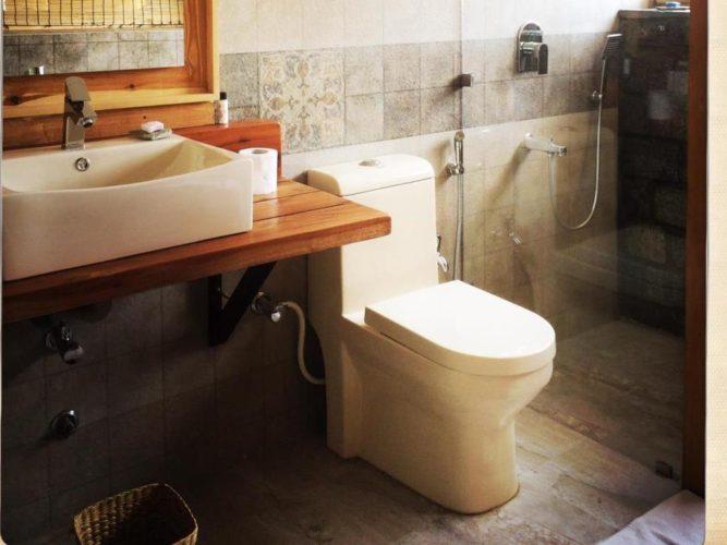 bathroom-e1516861282903