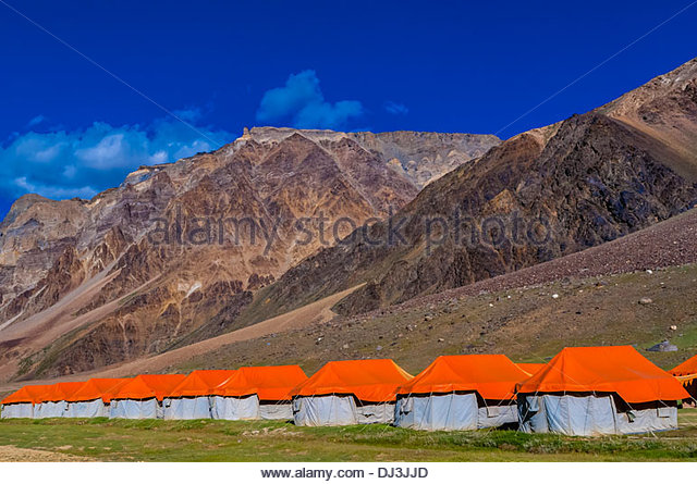 gold-drop-camp-tented-accomodation-at-sarchu-the-camp-at-14432-feet-dj3jjd