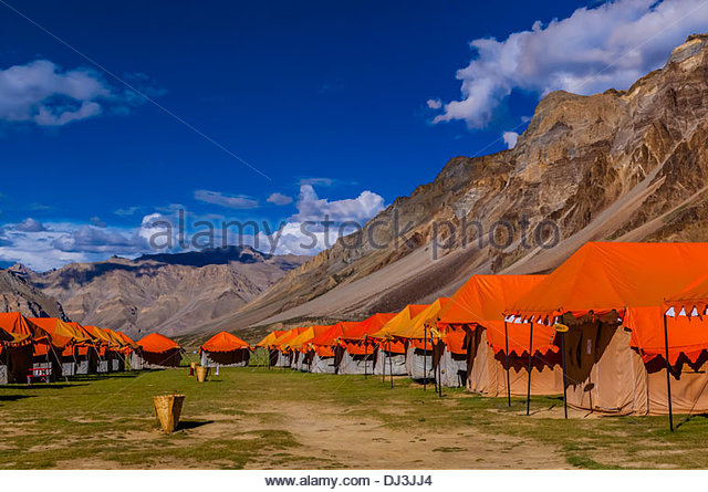 gold-drop-camp-tented-accomodation-at-sarchu-the-camp-at-14432-feet-dj3jj4