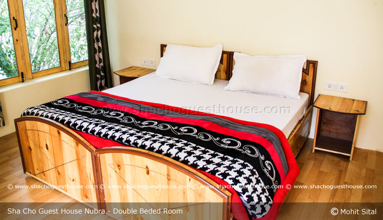 sha-cho-guest-house-nubra-valley-double-beded-room