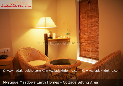 mystique-meadows-earth-homes-hunder-cottage-sitting-area