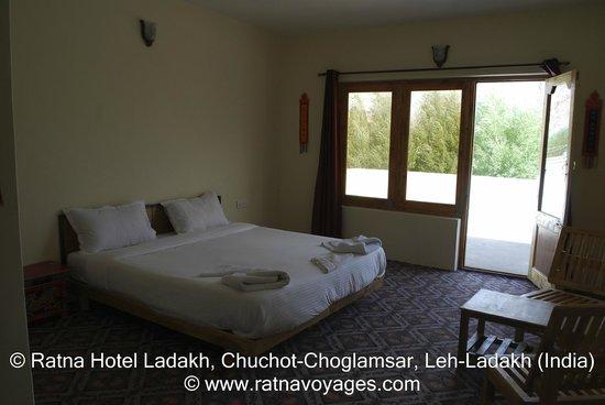 ratna-hotel-ladakh (1)