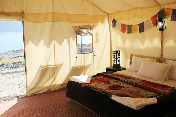 watermark-camp-pangong-double-beded-tent