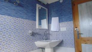 hotel-katpa-residency-leh-bathroom-74399125452srp
