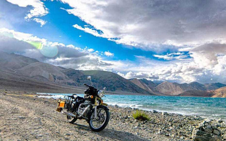 MOTORBIKE ADVENTURE IN LEH